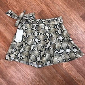 ZARA Snakeskin Print Mini w/Matching Cloth Belt
